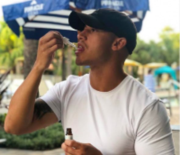 Einnahme und Dosierung von CBD Öl